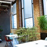 plante artificielle au bureau